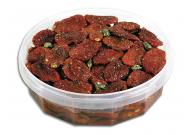 Tomaten, getrocknet und eingelegt in Kräutern und Gewürzen